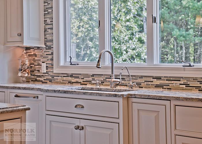 Undermount Sink with Tile backsplash