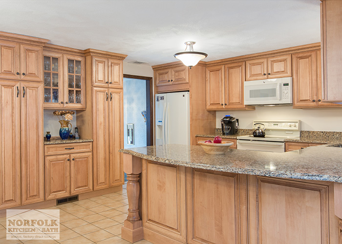 Tewksbury kitchen remodel with Maple cabinets - walnut glaze on Granite Countertops With Maple Cabinets  id=40912