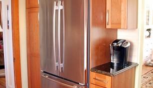 Light finish shaker door kitchen