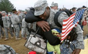 veterans-count-golf-tournament-hug