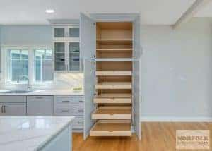 pull out shelving in new kitchen