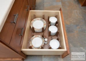 Plate storage cabinet in a new kitchen