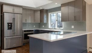 High Gloss, Two-Tone Kitchen
